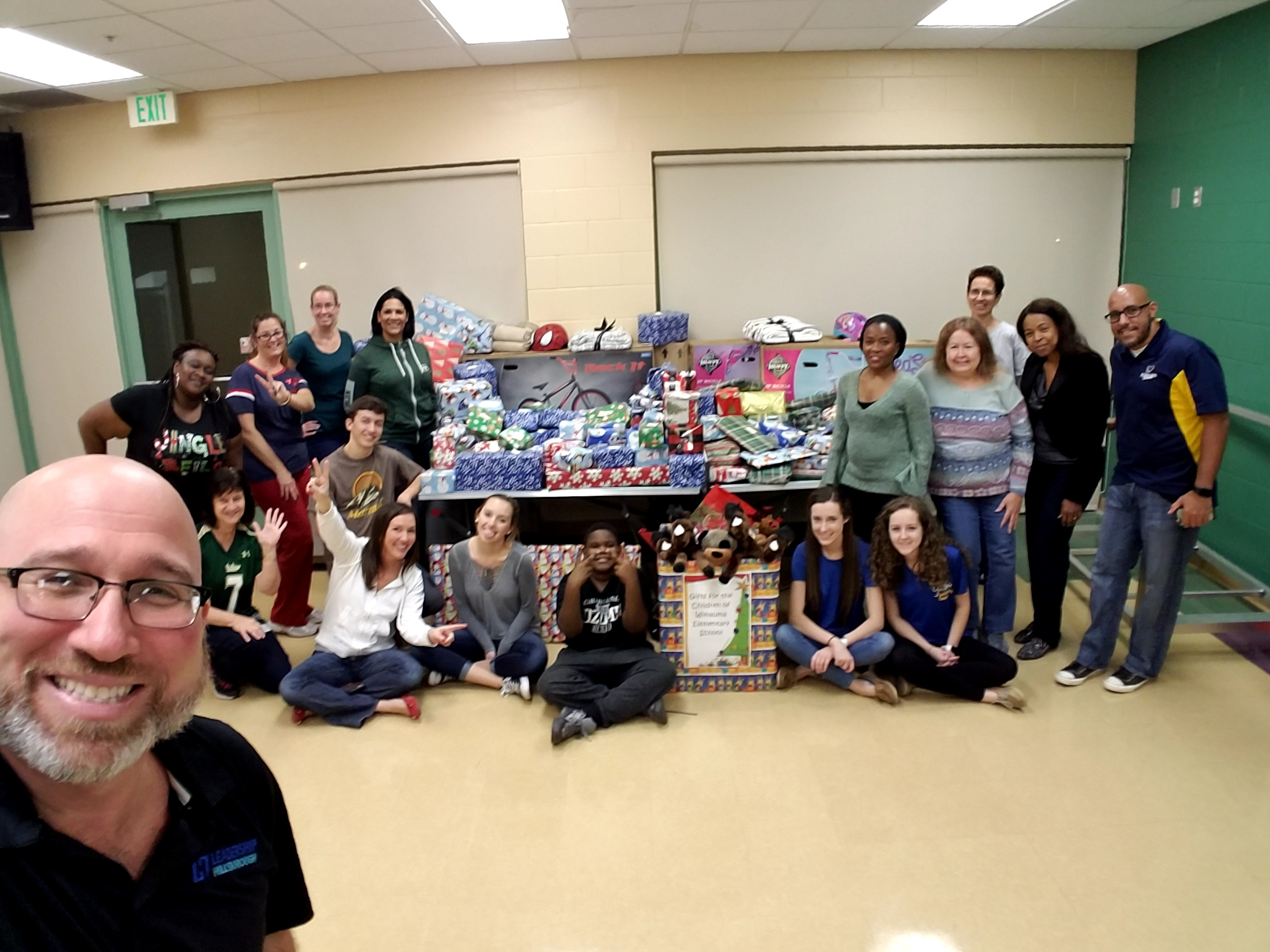 Leadership Hillsborough Holiday Gift Wrapping Night